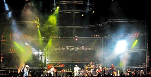 Azienda per tour service completo impianti luci audio video Davide Van De Sfroos