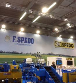 Installazione stand fieristico per esposizione EIMA fiera di macchine per l'agricoltura e il giardinaggio a Bologna