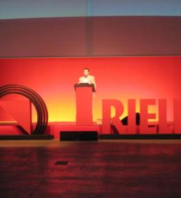 Illuminotecnica per conferenza Riello e amplificazione audio