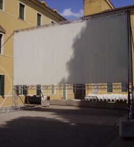 Montaggio maxi schermo cinematografico