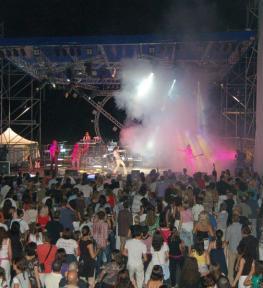 Copertura palco su struttura per concerto