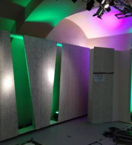 Service luci con struttura in americana, illuminazione architetturale per manifestazione Pitti Immagine Firenze
