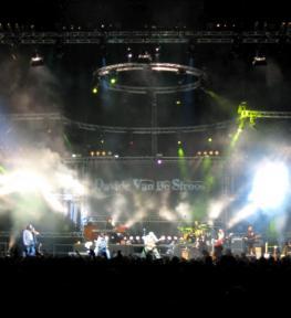 Eurotour service audio luci effetti speciali per concerti Davide Van De Sfroos