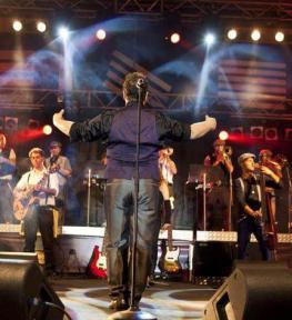 Tour service completo per concerti Paolo Belli Big Band