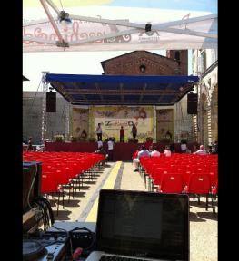 Tour service luci, strutture, audio per selezioni nazionali Zecchino d'Oro