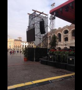Allestimento mega schermo led a Verona per evento in piazza Bra