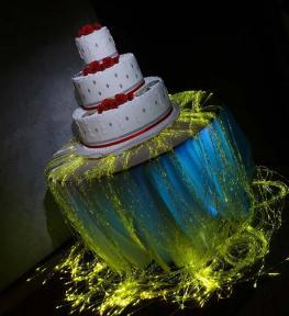 Torta nuziale con luci e effetti speciali
