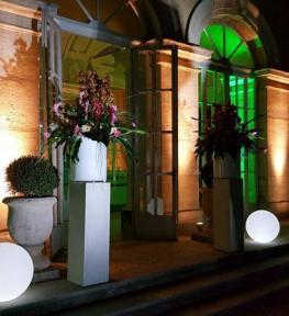Illuminazione facciata con service luci per festa esclusiva a Villa Sigurtà